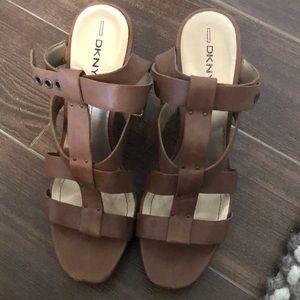 DKNY camel platform sandals size 9.5